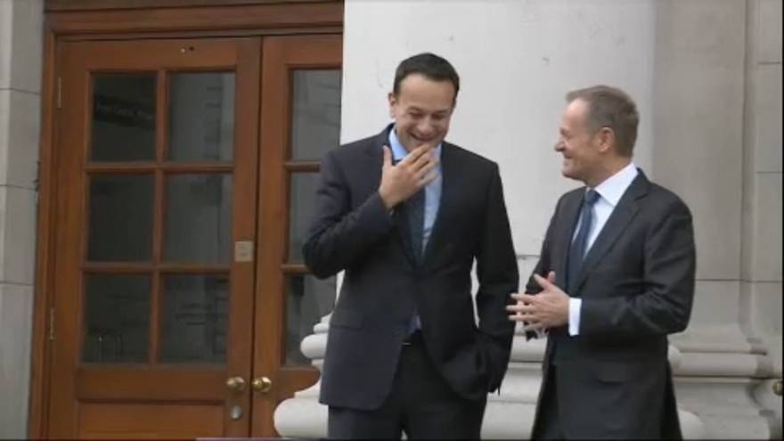 """Туск британцам: """"Вначале договоримся об Ирландии!"""""""