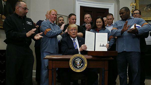 نگرانی از جنگ تجاری جهانی؛ افزایش تعرفۀ واردات فولاد و آلومینیوم آمریکا