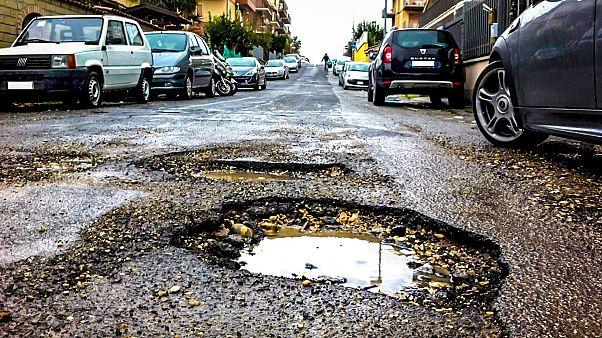 Roma, la città delle buche