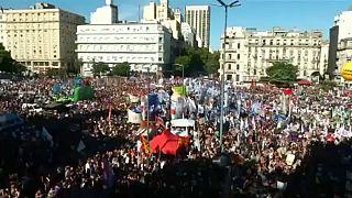 Arjantin'de kadınlar 8 Mart'ta kürtaj hakkı için yürüdü