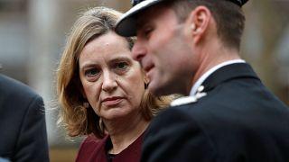 İngiltere, zehirlenen Rus ajan soruşturmasında temkinli