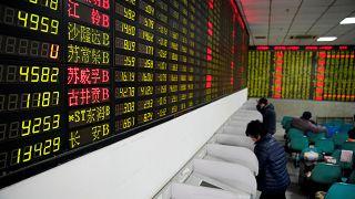Bolsas de Xangai e Hong Kong terminam semana em alta