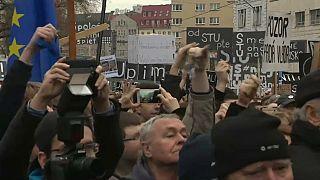 Aumenta a pressão sobre o governo na Eslováquia