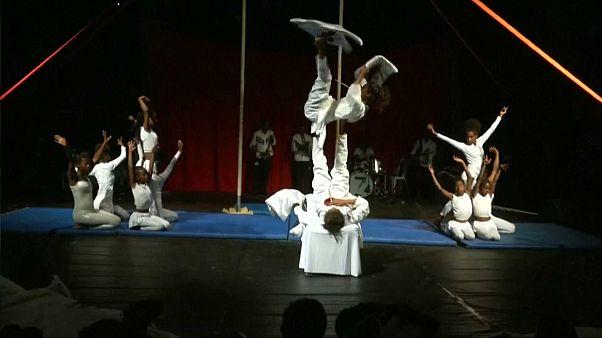 Au rendez-vous des acrobates et des jongleurs