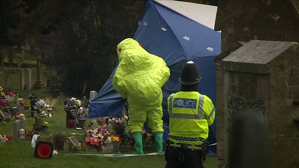 Skripal Case: focus on grave of victim's wife