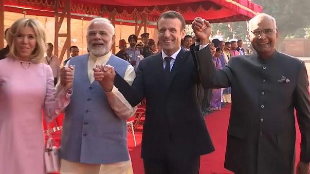 Macron in India per commercio, difesa e energie verdi