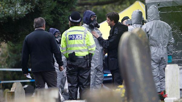 الشرطة البريطانية تفحص 240 دليلا في هجوم بغاز الأعصاب على جاسوس سابق
