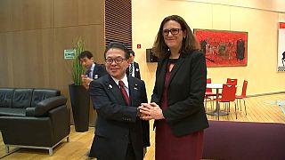 La UE y Japón presionan a EE.UU. para eludir los aranceles de Trump