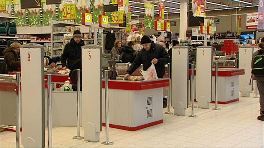 Polonya'da pazarları dükkanlar kapalı