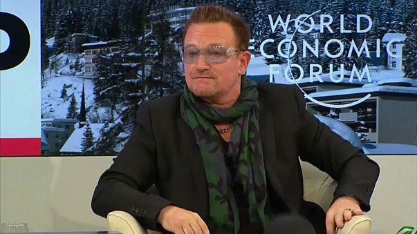 U2'nun vokalistinden özür
