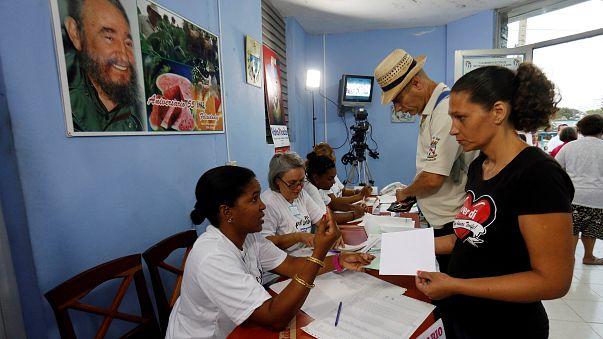 """Cuba al voto per il """"dopo-Castro"""""""