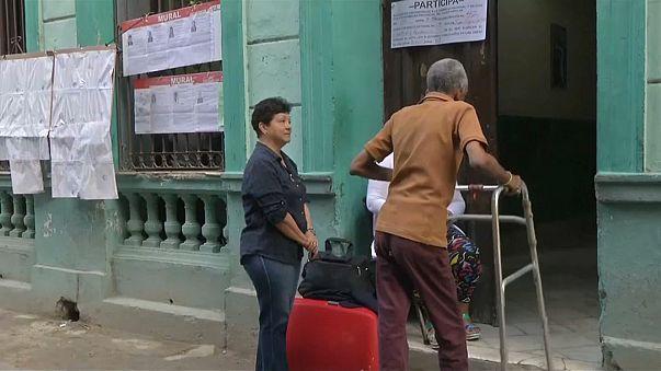 На Кубе завершились выборы в парламент страны, начался подсчет бюллетеней