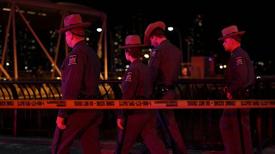 Hubschrauber in New York abgestürzt: Mehrere Tote
