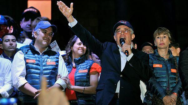 Álvaro Uribe junto al candidato a la presidencia Iván Duque