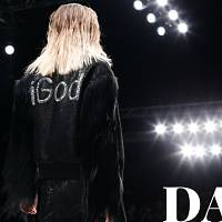 Fierce fashion and 'glamazones' stride Moscow Fashion Week day 2