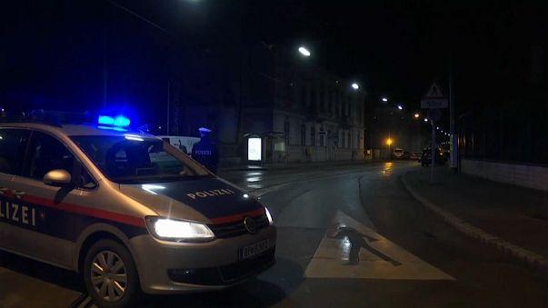 Vienna: militare accoltellato davanti all'ambasciata iraniana, ucciso l'aggressore