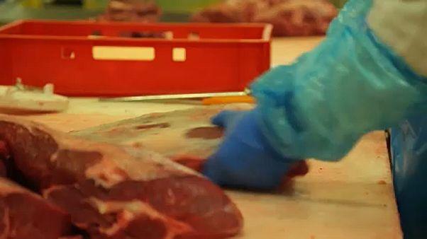 Belçika'da et skandalı tartışmaları büyüyor