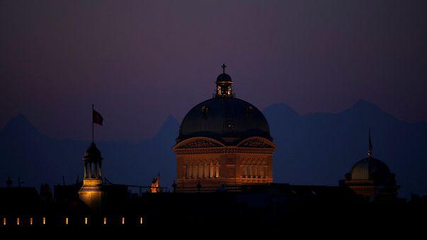 İsviçre parlamentosu tartışılacak gündem olmadığı için açılmadı