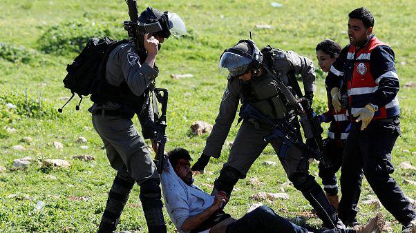للمرة الأولى إسرائيل  تستخدم طائرات بدون طيار لضرب متظاهرين فلسطينيين بالغازات المسيلة للدموع