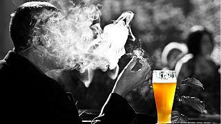 کدامیک برای مغز شما خطرناکتر است؟ الکل یا ماریجوانا؟
