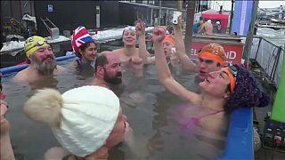 اختتام بطولة العالم للسباحة الشتوية في درجات سلبية