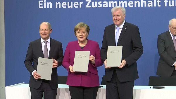 Germania: firmata l'intesa di governo
