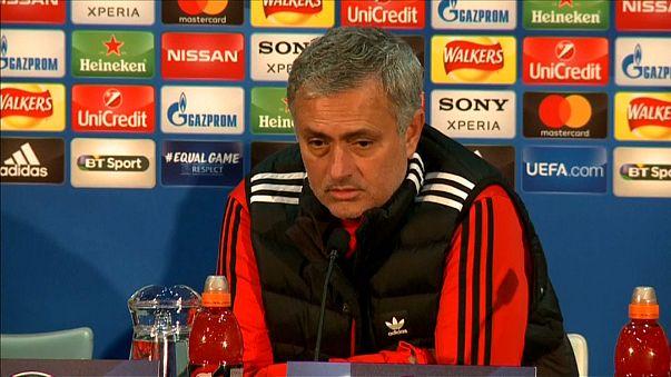 Man Utd boss Mourinho blasts de Boer over Rashford remarks