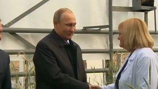 """Putin diz que """"Reino Unido deve ir ao fundo"""" do caso Skripal"""