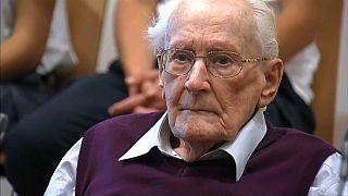 """Morreu o """"contabilista de Auschwitz"""""""
