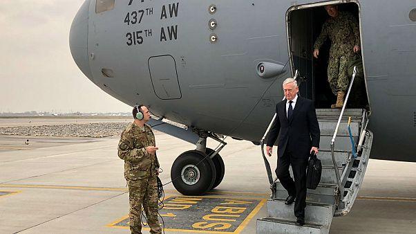 سفر غیرمنتظره جیمز متیس به افغانستان؛ «عناصری از طالبان آماده مذاکره هستند»