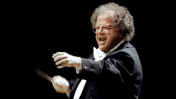 Metropolitan Operası'nın müzik direktörü cinsel tacizden kovuldu