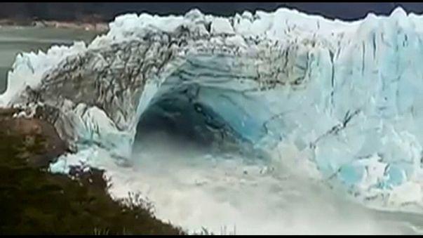 Se rompe el arco de hielo del glaciar Perito Moreno