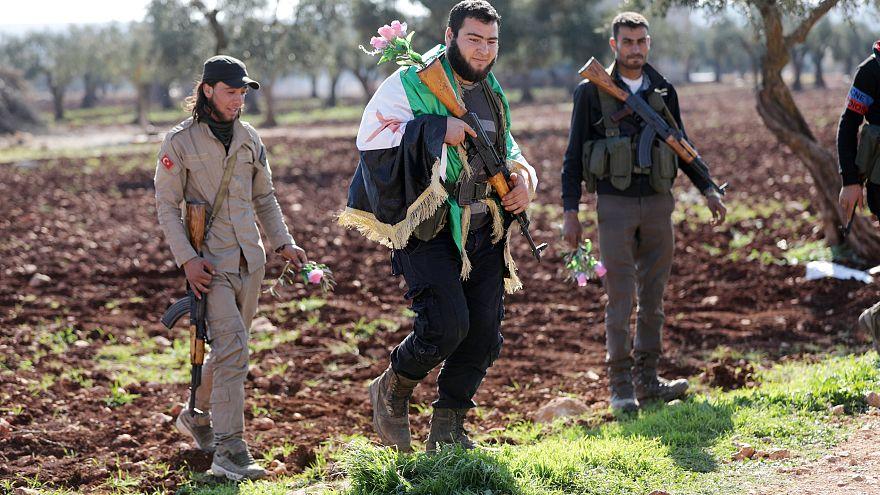 Exército turco já cerca Afrin