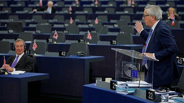 """Duro intercambio en la Eurocámara a próposito del """"brexit"""""""