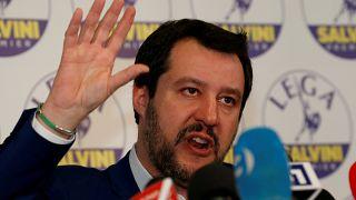 """Salvini dice que Italia no dejará el euro """"de forma aislada"""""""
