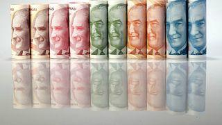 هبوط قياسي لليرة التركية