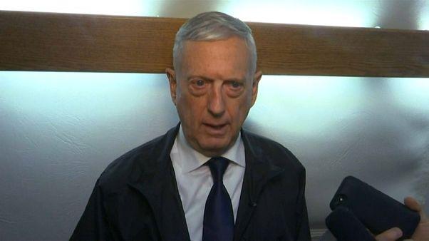 Jim Mattis em Cabul para negociações com talibãs