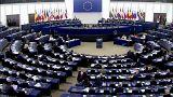 Brexit: dibattito acceso e schermaglie al Parlamento UE