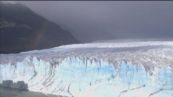 Se rompe el arco de hielo del glaciar Perito Moreno en Argentina