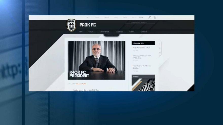 El presidente del PAOK se disculpa por saltar armado al campo de fútbol