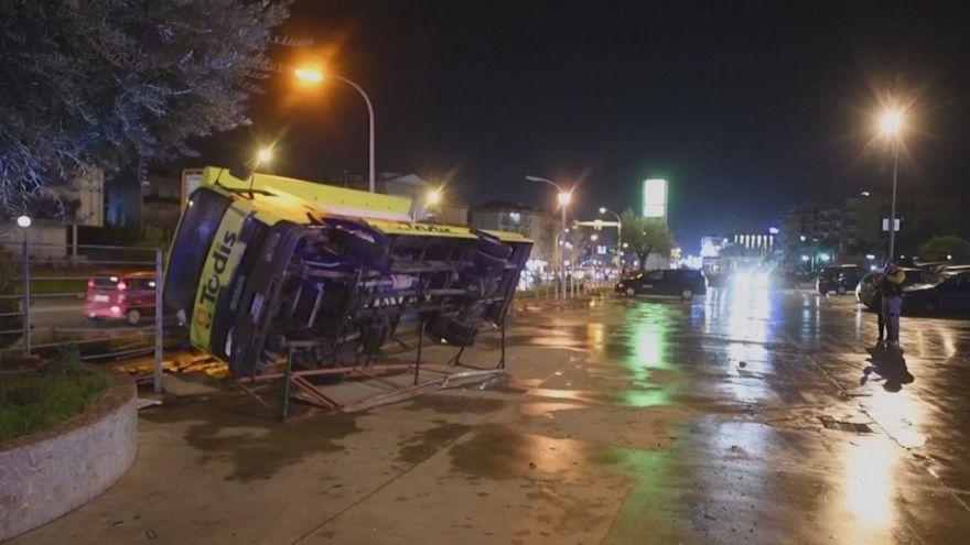 إعصار قوي يضرب عدة مدن إيطالية