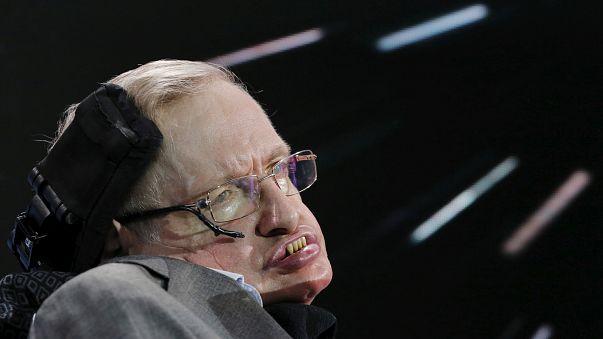 Físico teórico Stephen Hawking morre aos 76 anos