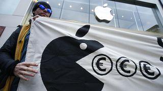 Paris s'attaque à Google et Apple