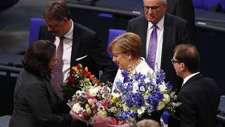 البرلمان الألماني ينتخب ميركل مستشارة لولاية رابعة
