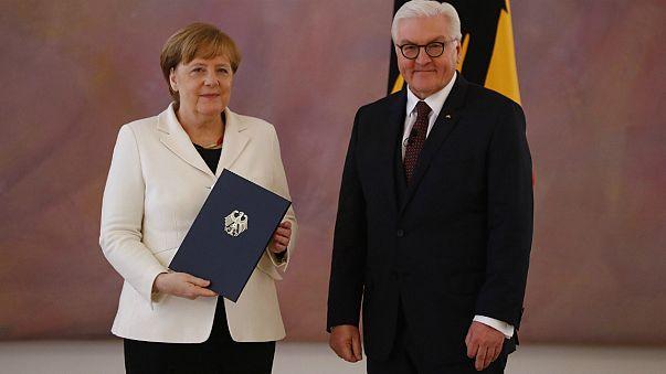 Angela Merkel reeleita para quarto mandato como chanceler