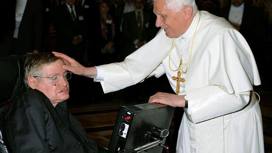 Stephen Hawking et le pape Benoit XVI