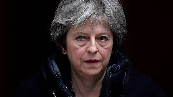 Theresa May expulsa diplomatas russos do Reino Unido