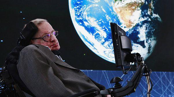 Stephen Hawking dedicou boa parte dos seus 76 anos ao espaço