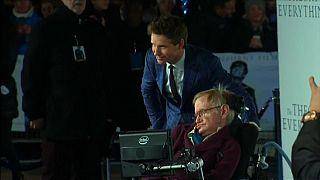 Actor Eddie Redmayne pays tribute to Hawking