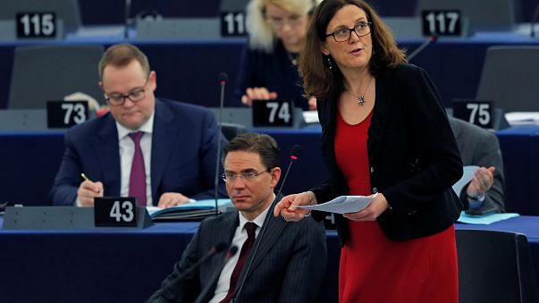 L'UE étudie ses options commerciales face aux USA